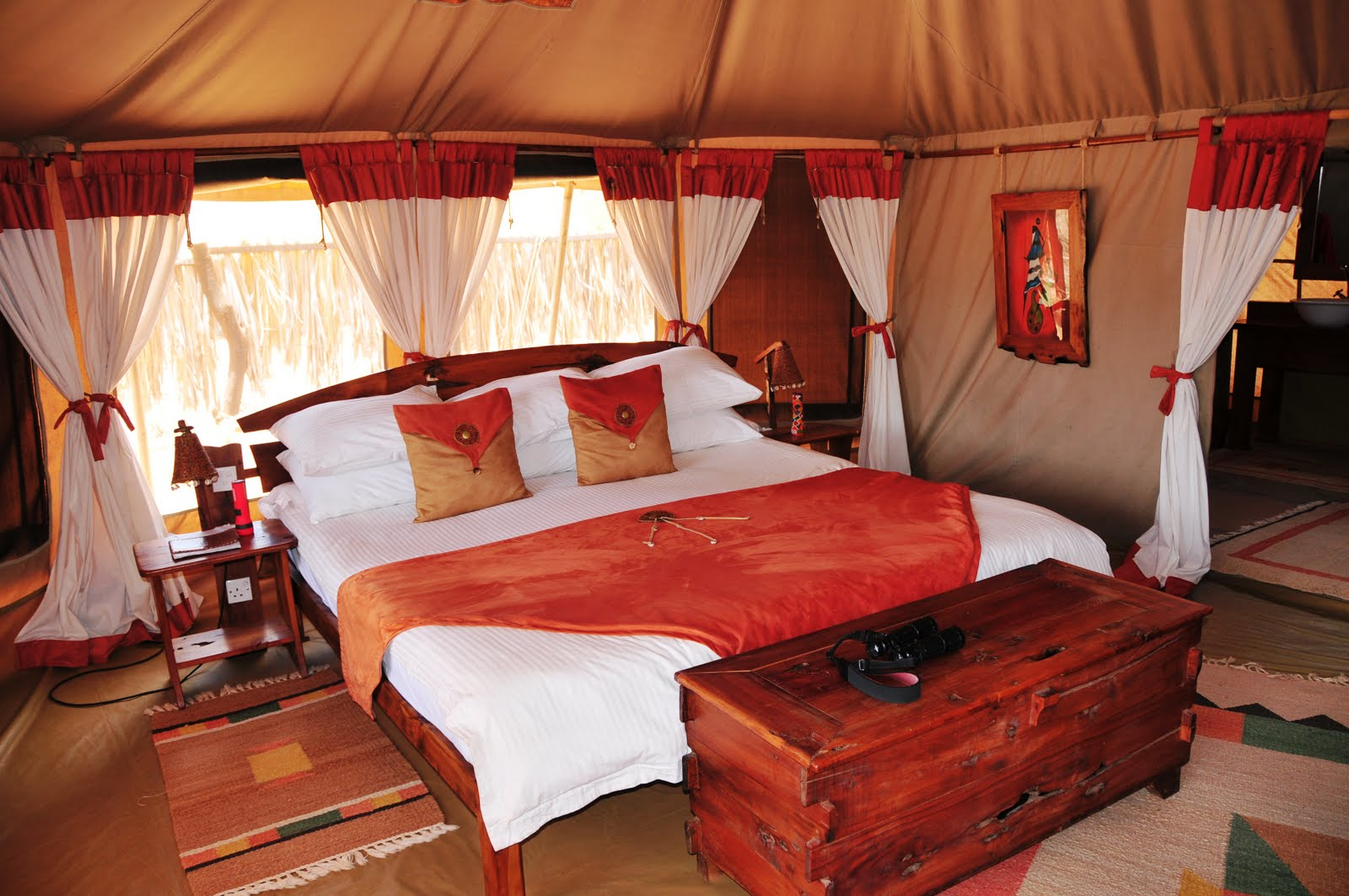 Elephant bedroom camp for Pictures of bed rooms